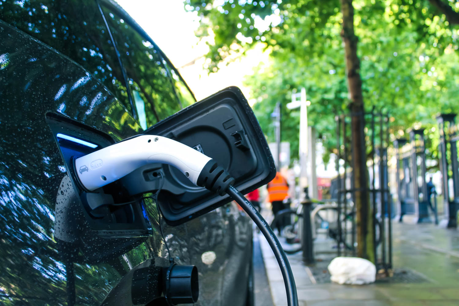 reduce-carbon-footprint-electric-vehicle